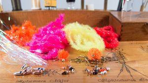 BLOBS, moscas para pescar arcoíris en rio
