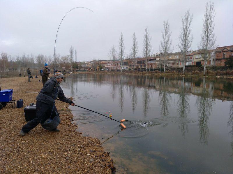 campeonato-pesca-mosca-lago-zeta-01