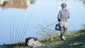 Cañas para practicar la pesca a mosca en lago
