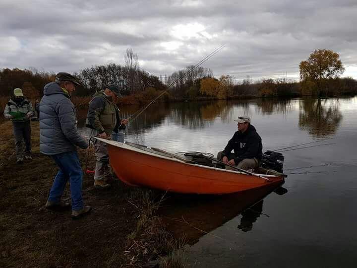 pesca-mosca-lago-renedo-santa-ana